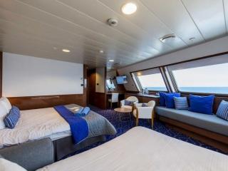 Описание на каюта Голям апартамент с балкон - Grand Suite - категория SG на круизен кораб CELESTYAL Olympia – обзавеждане, площ