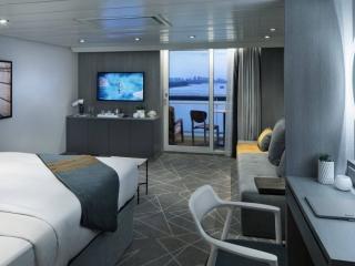 Описание на каюта Sky Suite - Апартамент – категории S1 на круизен кораб Celebrity Summit – обзавеждане, площ