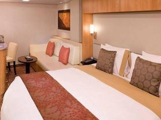 Описание на каюта Inside Stateroom - Вътрешна каюта - категория 10 на круизен кораб Celebrity Summit – обзавеждане, площ
