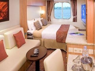 Описание на каюта Ocean View Stateroom - Външна каюта - категория 08 на круизен кораб Celebrity Summit – обзавеждане, площ