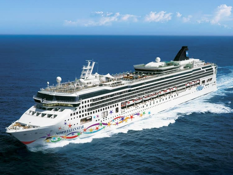 Круизен кораб Norwegian STAR на Norwegian Cruise Line