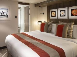 Описание на каюта Celebrity Suite - Голям апартамент – категория CS на круизен кораб Celebrity Apex – обзавеждане, площ