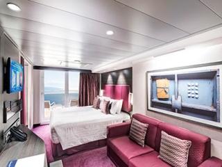 Описание на каюта Семейни каюти - клас Aurea Suite на круизен кораб MSC Virtuosa – обзавеждане, площ