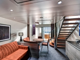 Описание на каюта Апартамент - Aurea Duplex Suite на круизен кораб MSC Virtuosa – обзавеждане, площ