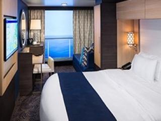 Описание на каюта Interior with Virtual Balcony - категория 4U на круизен кораб ODYSSEY of the Seas – обзавеждане, площ
