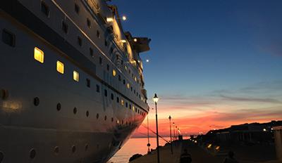 Кораб Celestyal Olympia на пристанище