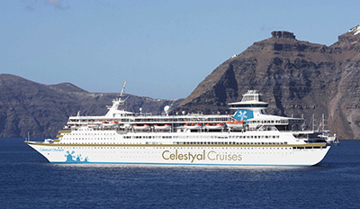 Кораб Celestyal Olympia в открито море