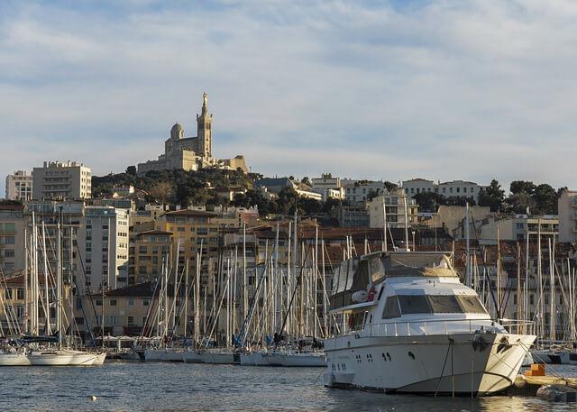Пристанището в Марсилия
