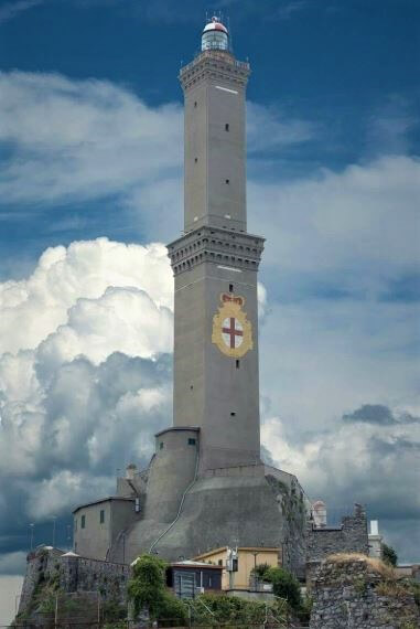 Фар в Генуа