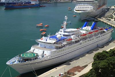 LOUIS Orient Queen в Малта