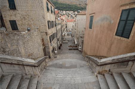Похода на срама в Дубровник Jesuit Staircase