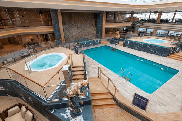 Какво е различното при басейните, джакузитата, СПА центъра?