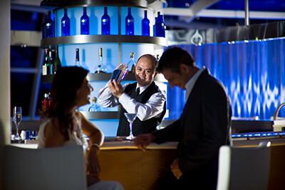 Celebrity Solstice барове на борда