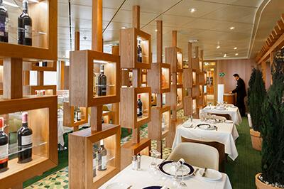 Costa Victoria ресторанти на борда