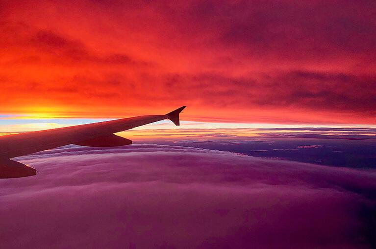 Изгодни полети от Usit Colours